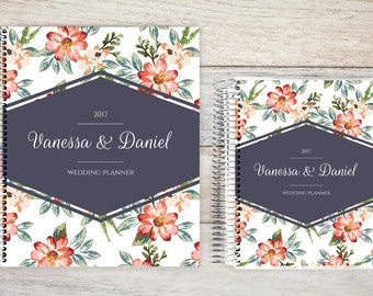 Custom Wedding Planner, Wedding Planner Organizer, Engagement gift for Bride, Bridal Gift Idea, Wedding Planning Guide, delicate watercolor