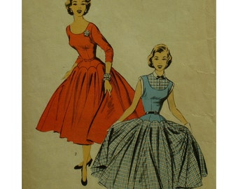 "Vintage 1950s Fitted Bodice Dress Pattern, Low Waist, Gored Flared Skirt, Elbow/Cap Sleeves, Shaped Hip, Advance 6509, Size 12 Bust 30"" 76cm"
