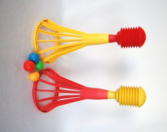 Vintage Tupperware Pop A Lot 2 Baskets with 4 Balls, Tupperware Ball Shooter, Tupperware Ball Shooting Catching Game, Extra Balls available