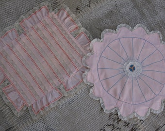 Vintage pink shabby pillows, set of 2, round, lace, embroidery, Shabby Chic decor