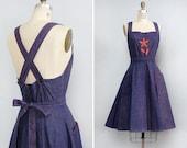 Pinafore Dress M • 70s Dress • Floral Applique Dress • Fit and Flare Dress • Apron Dress • Overall Dress • Denim Dress Cotton  | D901
