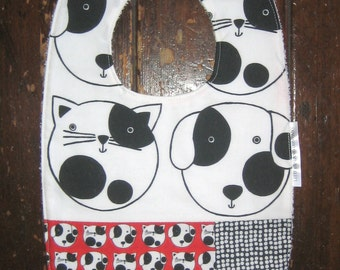 BABY BIB Cats and Dogs