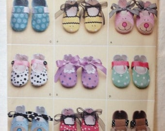 Baby Shoes Pattern // Simplicity 2491 // Seven Styles