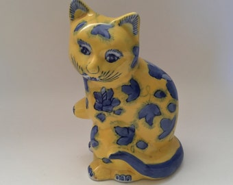 Porcelain Chinese Cat Statue Figure