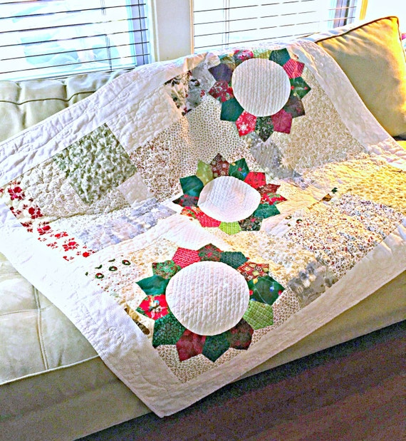 Christmas Quilt, Red and Green Quilt, Lap Quilt, Modern Quilt, Scrap Quilt, Christmas Bedding, Throw Quilt, Dresden Plate, Patchwork Quilt