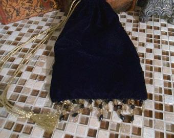 G027  Lady's Medieval Renaissance Velvet Drawstring Bag