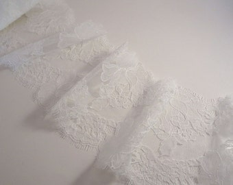White Rose Pattern French Chantilly Lace Trim--One Yard
