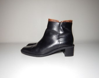 90s minimalist black and brown leather ankle boots size 7.5