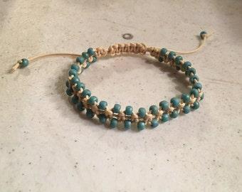 Cream Bracelet - Blue Seed Beads - Macrame Jewelry - Adjustable Jewellery - Fashion - Trendy - Beaded