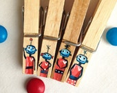 ROBOT FAMILY hand painted magnetic clothespin pegs