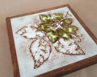 Green Flower Tile Trivet with Wooden Trim