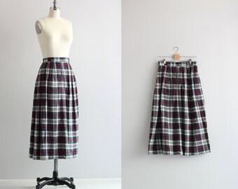 1970s Plaid Skirt . Fall Fashion Midi Skirt . School Girl Plaid
