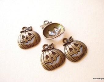 10 Halloween Pumpkin Bronze Charm Pendant 18x16mm SB648