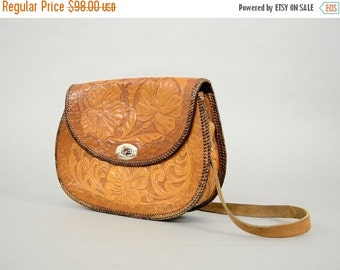 ANNIVERSARY SALE 60's Mexican TOOLED Leather Shoulder Bag