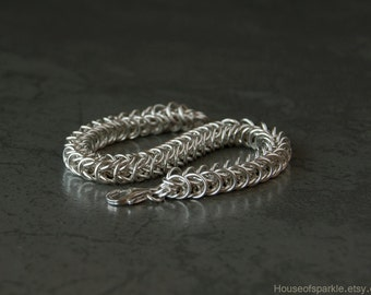 Man's sterling silver bracelet. Thick silver chain bracelet. Men's jewellery. Sterling silver chainmaille bracelet. Man's link bracelet.