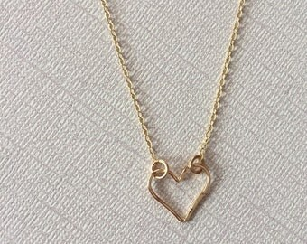 Heart Necklace | Gold Heart Necklace | Heart Outline Necklace |  Heart Necklace | Gold Heart Necklace | Minimalist Jewelry | Graduation Gift
