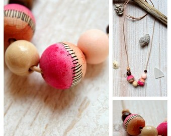 Wood necklace handpainting beads rose/brown/beige