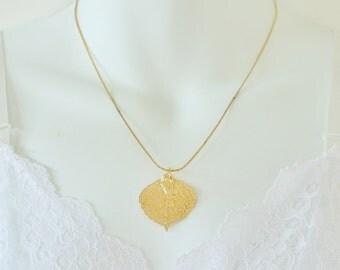 Vintage 70s Gold Tone Dipped Open Work Lace Leaf Pendant Skeletonized Herringbone Style Chain Boho Woodland Princess Length Necklace