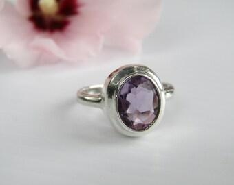 Amethyst Ring // Bezel Set in Sterling Silver // Size 7