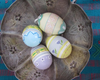 Vintage Wood Painted Easter Eggs Set of Four