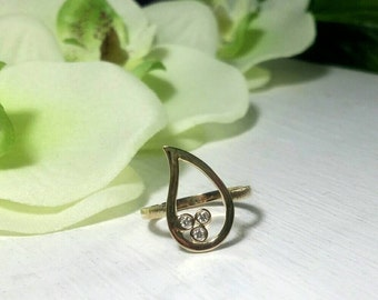 Three stone ring, Diamond ring, Gold ring, Gold and Diamond ring, Drop gold ring, Diamonds, Paisley ring, Cool gold ring, Gift for her, Gold