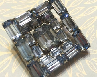Vintage Weiss Geometric Concave Sapphire Rhinestone Brooch