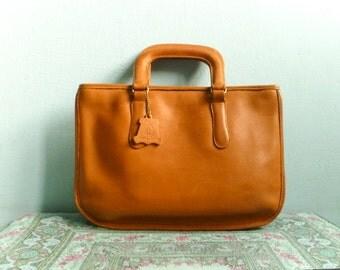 Vintage leather hand bag purse brief case laptop bag satchel handbag / caramel leather light brown tan tanned