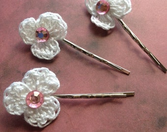 Pure White Crochet Flower Hair Pins - white crochet cotton flower - acrylic pink crystal center - adhered to a silver tone bobby pin