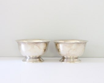 Pair of Silverplate Bowls / Poole Silver 527