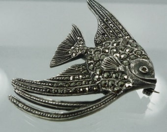 Vintage Sterling 925 Silver and Marcasite Angel Fish Brooch (OMG #77016)