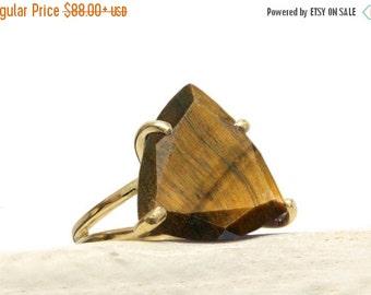 SUMMER SALE - Tiger Eye ring,statement ring,gold ring,gemstone ring,triangle ring,trillion stone ring,prong ring,cocktail ring