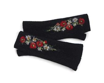 Long Felted Fingerless gloves Fingerless Mittens Arm warmers Gloves - Black Red and White flowers