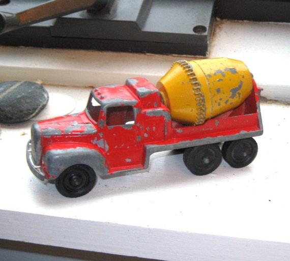 Vintage Tootsie Toy Cement Truck