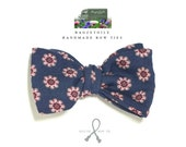 Bowtie and pocket square in quality cotton fabric - self tie bow tie - adjustable - self tie bow ties by Bagzetoile - ships worldwide
