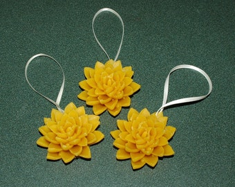 Beeswax Ornaments ~ Aloe Beeswax Ornaments ~ Star Ornaments ~ Christmas Ornaments ~ Beeswax Room Decorations ~ Cactus Ornaments