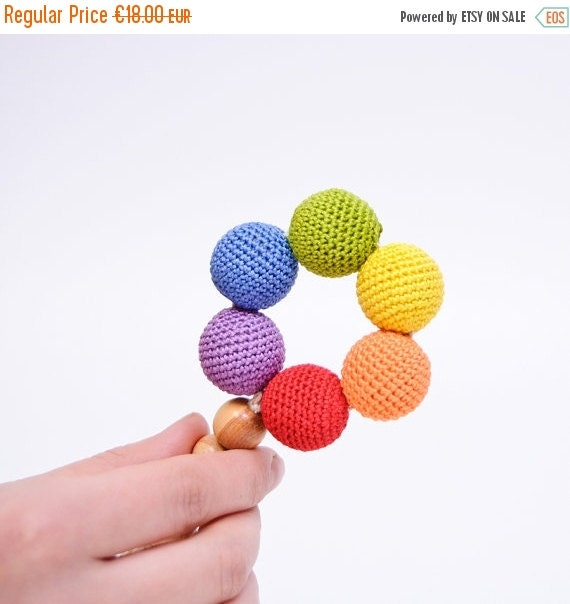 FLASH SALE Long-Tailed Round Wooden Teething Ring - Rainbow Baby Toy - KangarooCare