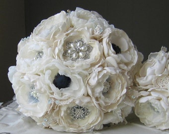 Fabric flower brooch bouquet. Custom colors. Anemone or poppy in navy blue and ivory