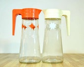 Vintage Anchor Hocking Juice Pitchers Retro Starburst Design One Orange One White