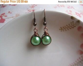 Clearance Green Pearl Earrings - Vintage Inspired Earrings - Herringbone Copper Earrings