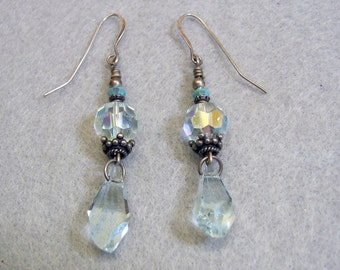 Lovely Vintage Faceted Crystal Drop Pierced Earrings