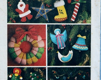Vintage Christmas Sewing Pattern Ornaments Tree Skirt Puffed Wreath Puffed Ornaments Simplicity7736 uncut