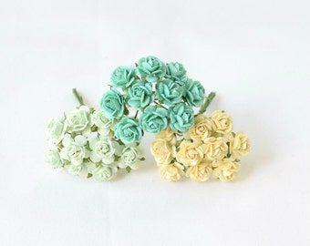 30  mixed colors of paper roses