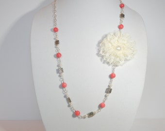 White Flower and Strawbery Agate Necklace