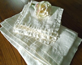 Seashell Pattern Tablecloth & 8 Napkin Set / Vintage Creamy White Cotton Damask / Floral Damask / Like new/ Formal Dining / Victorian/ Ocean