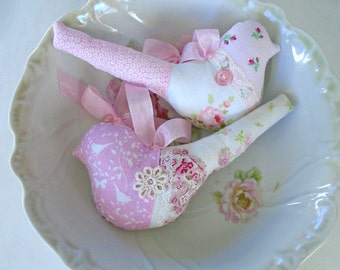 2 Pink Fabric Birds / Shabby Chic Birds / Cottage Sweet / Bird Ornaments / Bird Pillows / Pink Birds / Bird Decor /Pink Roses / Vintage Lace