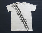 [TEX0104-M] TIRE track T-Shirt shirt road print men skid mark tire car T-shirt White, size: M