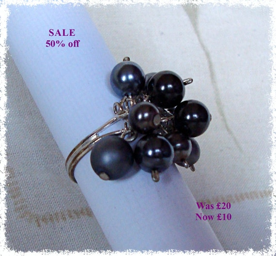 SALE - Faux Pearl Cluster Ring - Black/Grey