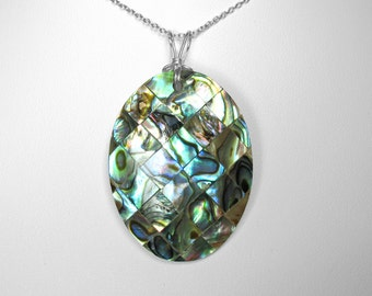 Abalone Shell Pendant in Silver, 39 x 30 mm