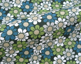 C750 - 1 meter Cotton Twill  Fabric - Small flowers