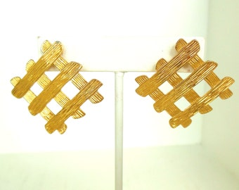 Vintage Pierced Earrings Large Grid Gold 80's (item 210)